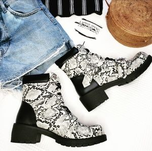 Shoes - 🆕️//The Madison// Snake combat boots